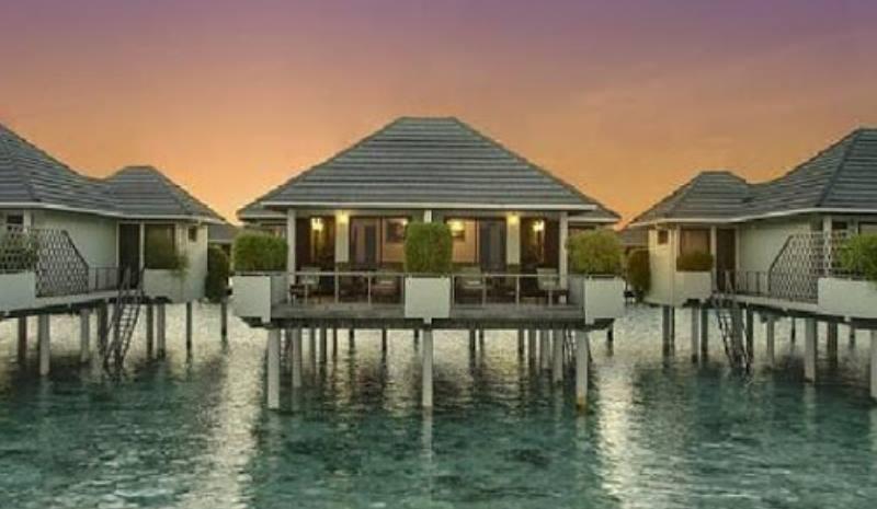 отели на острове