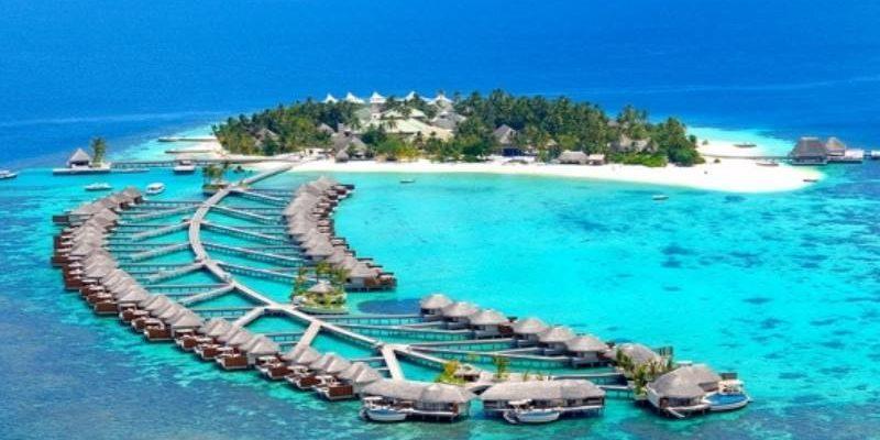 Расположение Мальдив с высоты дрона
